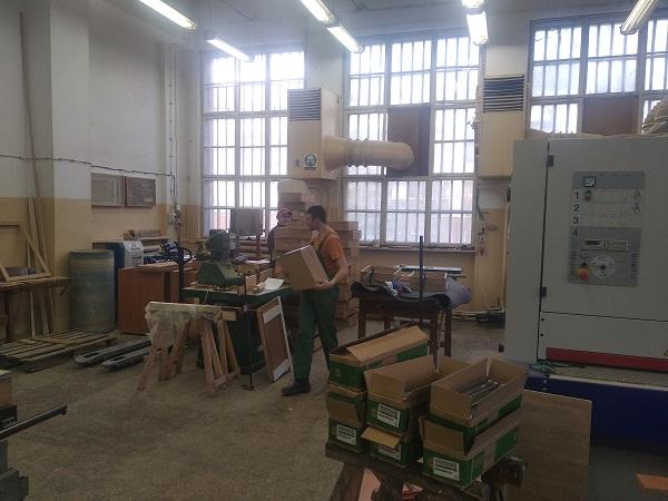 Uczymy się i pracujemy – warsztat stolarski