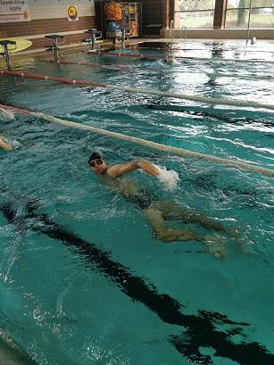 Pływalnia – zajęcia z nauki i doskonalenia pływania