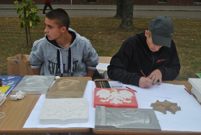 Realizacja projektu ,,Kształtowanie postaw patriotycznych młodzieży zagrożonej wykluczeniem społecznym''