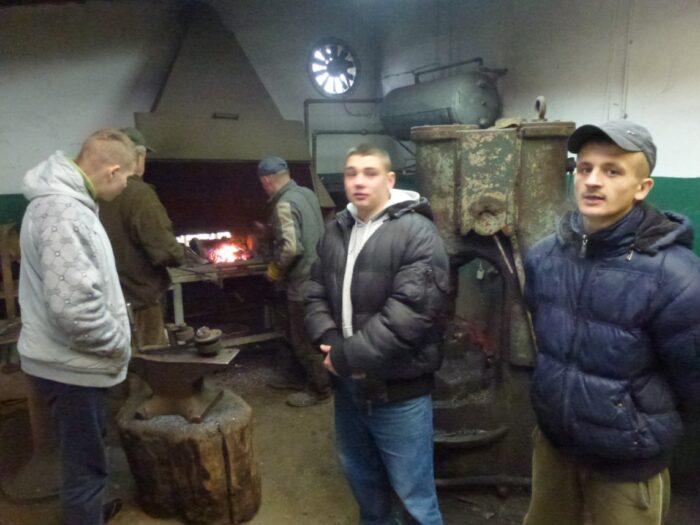 Wycieczka warsztatu ślusarskiego do zakładu pracy