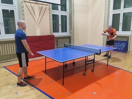 Mistrzostwa zakładu w tenisie stołowym