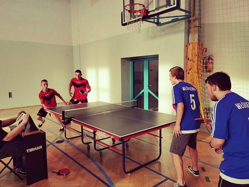 Powiatowe zawody tenisa stołowego w Wiskitkach.