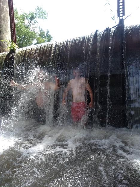 Spływ kajakowy w Dniu Dziecka